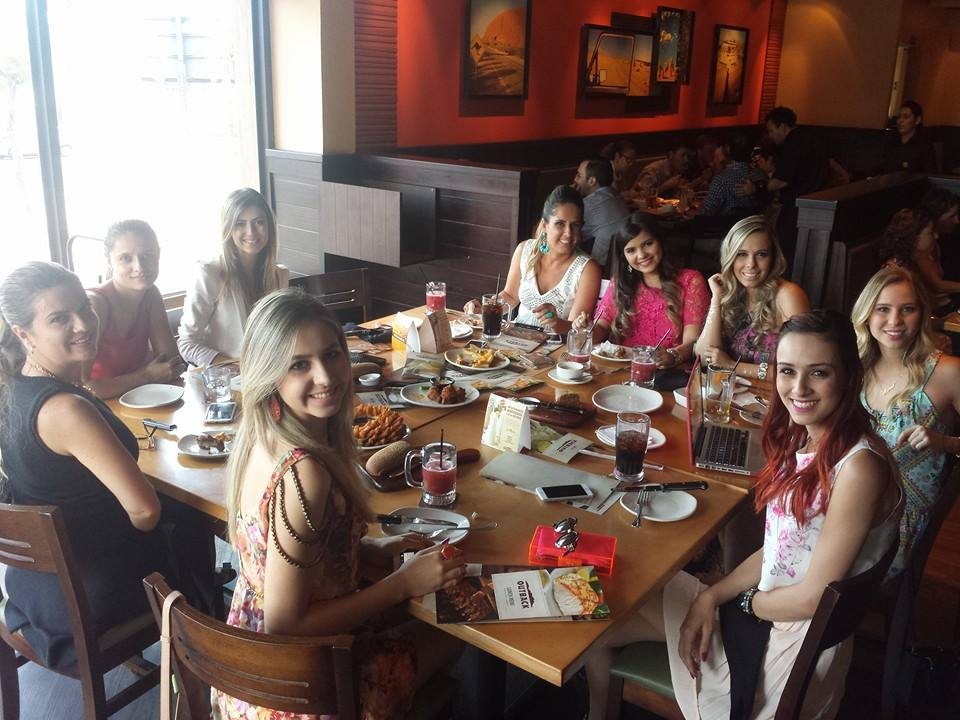 16.01.15 - PAtrícia Caetano Outback Center Shopping Capa 2